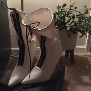 FLASH SALE!! Like New Fashion Nova White Boots